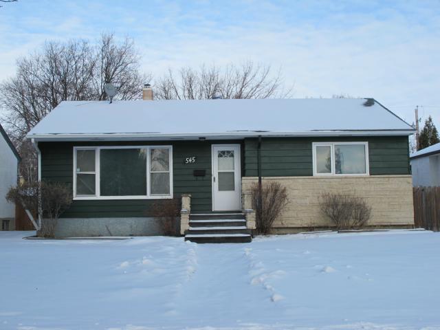 Main Photo:  in WINNIPEG: East Kildonan Residential for sale (North East Winnipeg)  : MLS®# 1201703