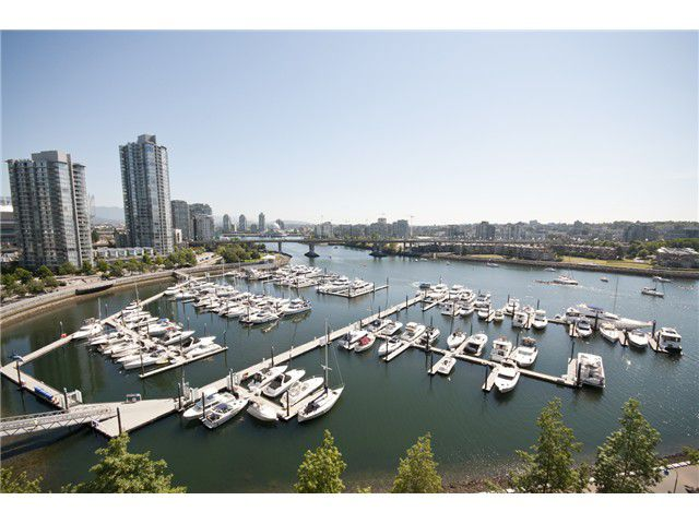 Main Photo: 1201 1228 Marinaside Crescent in Vancouver: Yaletown Condo for sale (Vancouver West)  : MLS®# V1017610
