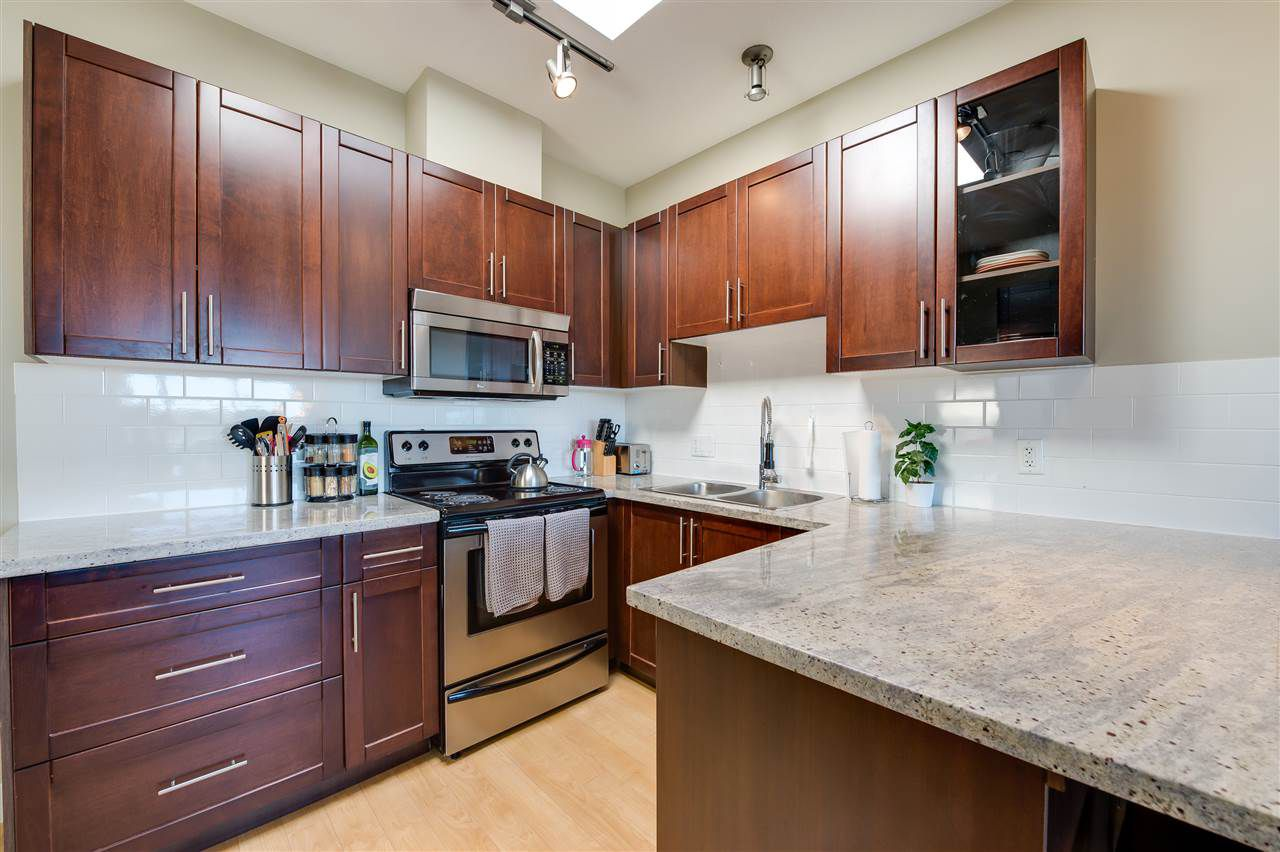 Main Photo: PH9 688 E 17TH AVENUE in Vancouver: Fraser VE Condo for sale (Vancouver East)  : MLS®# R2004687