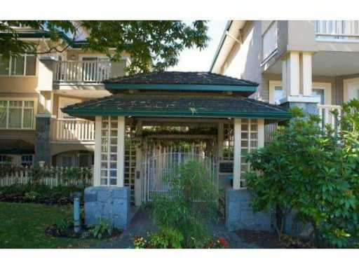 """Main Photo: 314 288 E 6TH Street in North Vancouver: Lower Lonsdale Condo for sale in """"MCNAIR PARK"""" : MLS®# V1011748"""