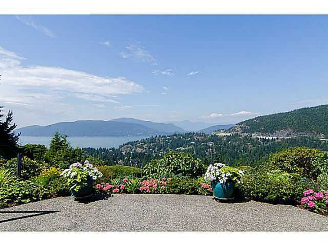 """Main Photo: 5257 ASPEN Crescent in West Vancouver: Upper Caulfeild Townhouse for sale in """"SAHALEE"""" : MLS®# V1023681"""