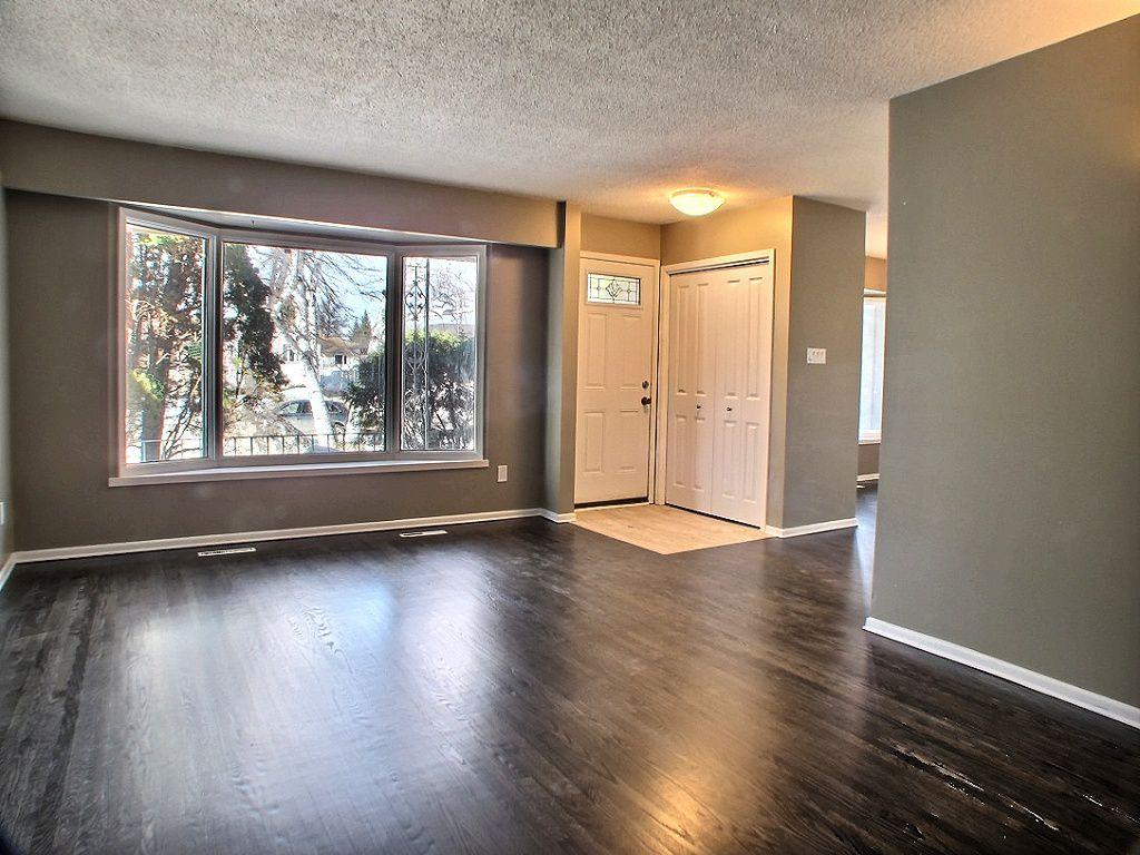 Main Photo: 318 Stuart Avenue in Winnipeg: North Kildonan Residential for sale (North East Winnipeg)  : MLS®# 1406295