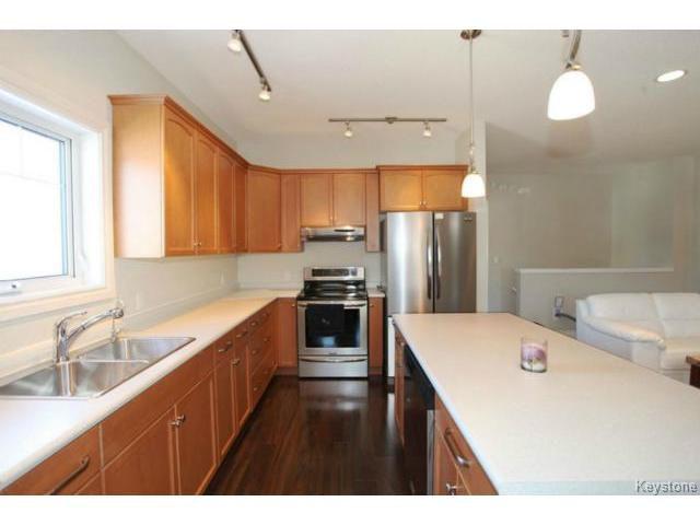 Photo 6: Photos: 501 Bridgeland Drive in WINNIPEG: Fort Garry / Whyte Ridge / St Norbert Single Family Detached for sale (South Winnipeg)  : MLS®# 1406788