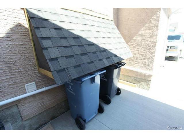Photo 17: Photos: 501 Bridgeland Drive in WINNIPEG: Fort Garry / Whyte Ridge / St Norbert Single Family Detached for sale (South Winnipeg)  : MLS®# 1406788