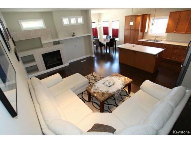 Photo 4: Photos: 501 Bridgeland Drive in WINNIPEG: Fort Garry / Whyte Ridge / St Norbert Single Family Detached for sale (South Winnipeg)  : MLS®# 1406788