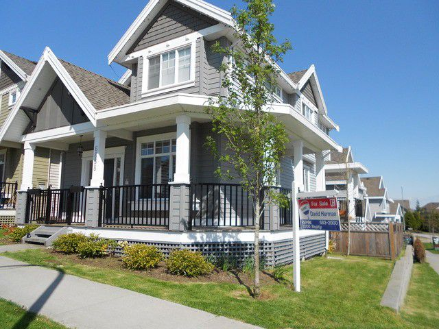 Main Photo: 6858 195A Street in Surrey: Clayton House for sale (Cloverdale)  : MLS®# F1309534