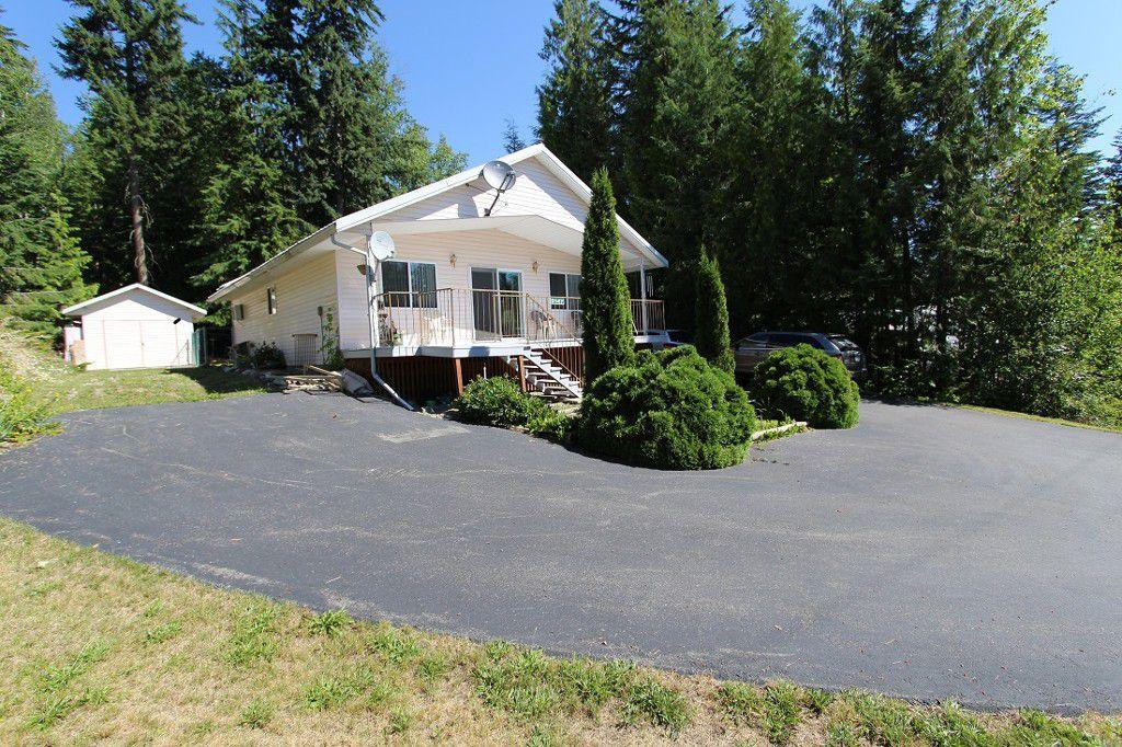 Main Photo: 5147 Tallington Road in Celista: North Shuswap House for sale (Shuswap)  : MLS®# 10102967