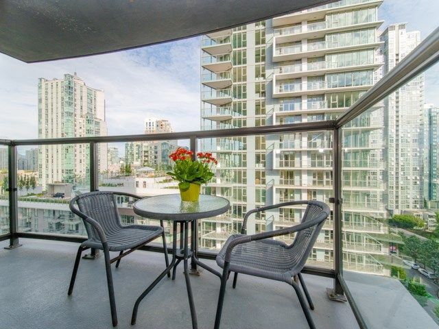Main Photo: 1202 501 PACIFIC STREET in Vancouver: Downtown VW Condo for sale (Vancouver West)  : MLS®# R2285093