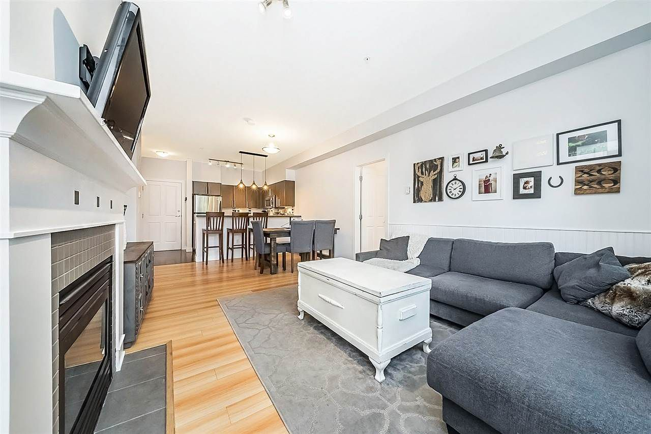 Main Photo: 209 2478 SHAUGHNESSY STREET in Port Coquitlam: Central Pt Coquitlam Condo for sale : MLS®# R2293849