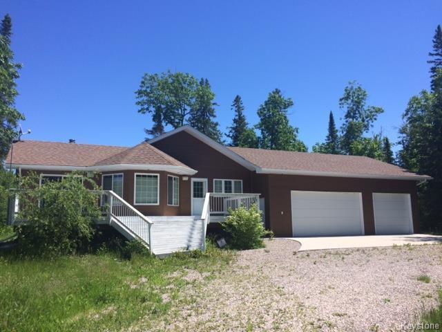 Main Photo: 25 CEDAR: Residential for sale (R27)  : MLS®# 1705903