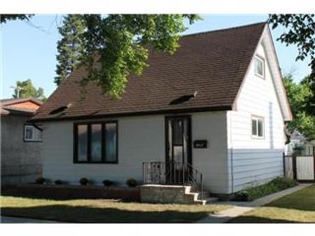 Main Photo: 1047 Boyd Avenue: Residential for sale (North End)  : MLS®# 1116205