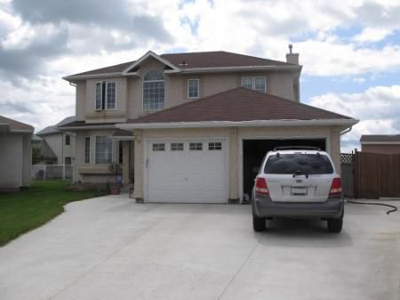 Main Photo: Magnificent 4 Bedroom Two Storey