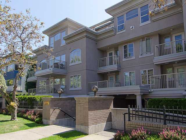 "Main Photo: 308 2490 W 2ND Avenue in Vancouver: Kitsilano Condo for sale in ""TRINITY PLACE"" (Vancouver West)  : MLS®# V966955"