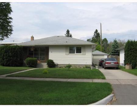 Main Photo: 3 SALVIA BAY: Residential for sale (Garden City)  : MLS®# 2813218