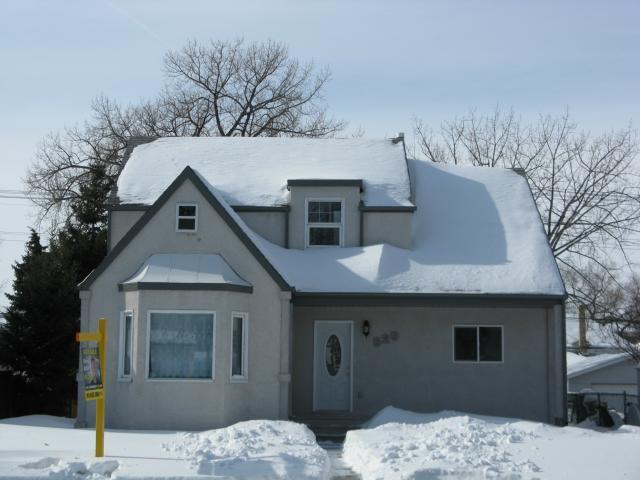 Main Photo: 529 Des Meurons Street in WINNIPEG: St Boniface Residential for sale (South East Winnipeg)  : MLS®# 1302433