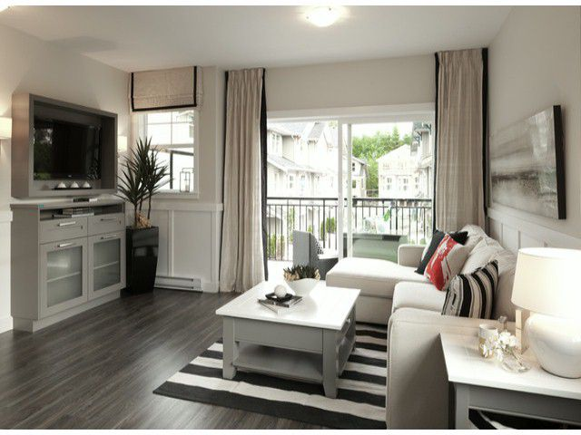 Main Photo: 28 20967 76 Avenue in Langley: Willoughby Heights Condo for sale : MLS®# F1228539