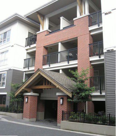 Main Photo: A212 8929 202 Street in Langley: Walnut Grove Condo for sale : MLS®# F1401821