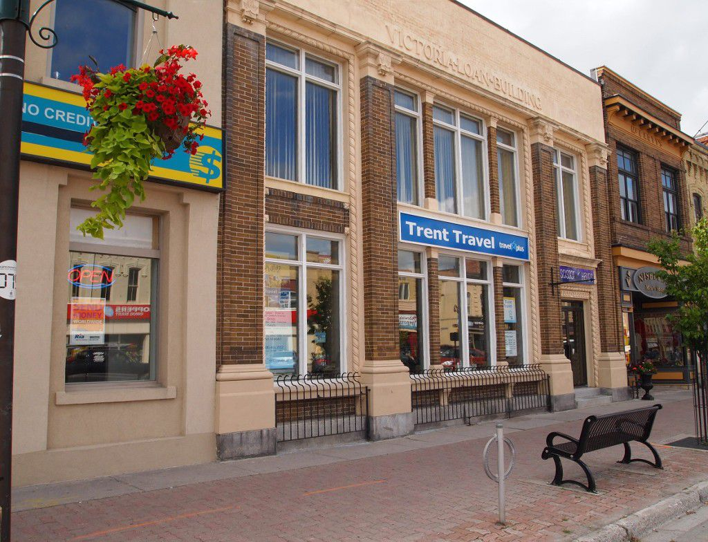 Main Photo: 85 W Kent Street in : Lindsay Commercial for lease (Kawartha Lakes)