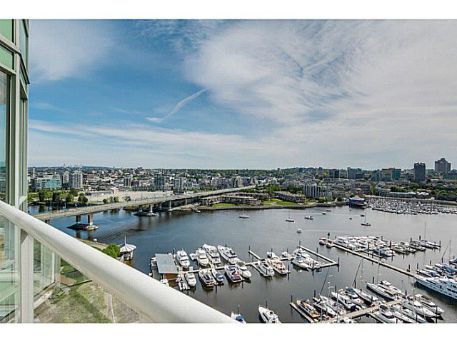 Main Photo: # 2302 1077 MARINASIDE CR in Vancouver: Yaletown Condo for sale (Vancouver West)  : MLS®# V1066031