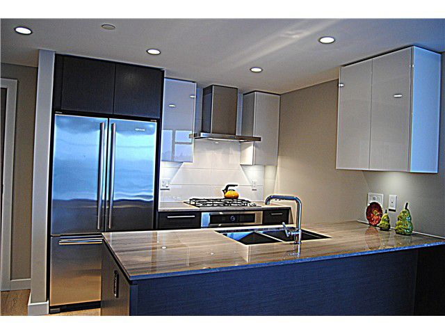Main Photo: # 1920 1618 QUEBEC ST in Vancouver: Mount Pleasant VE Condo for sale (Vancouver East)  : MLS®# V1097215