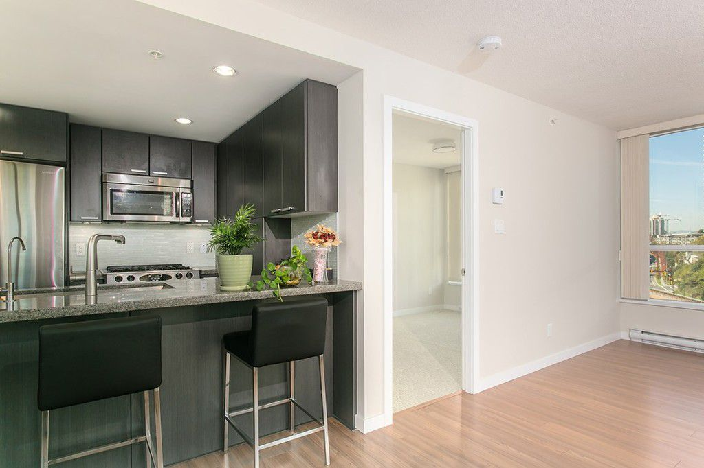 Main Photo: 2200 Douglas Road in Burnaby: Brentwood Park Condo for sale (Burnaby North)  : MLS®# R2009452