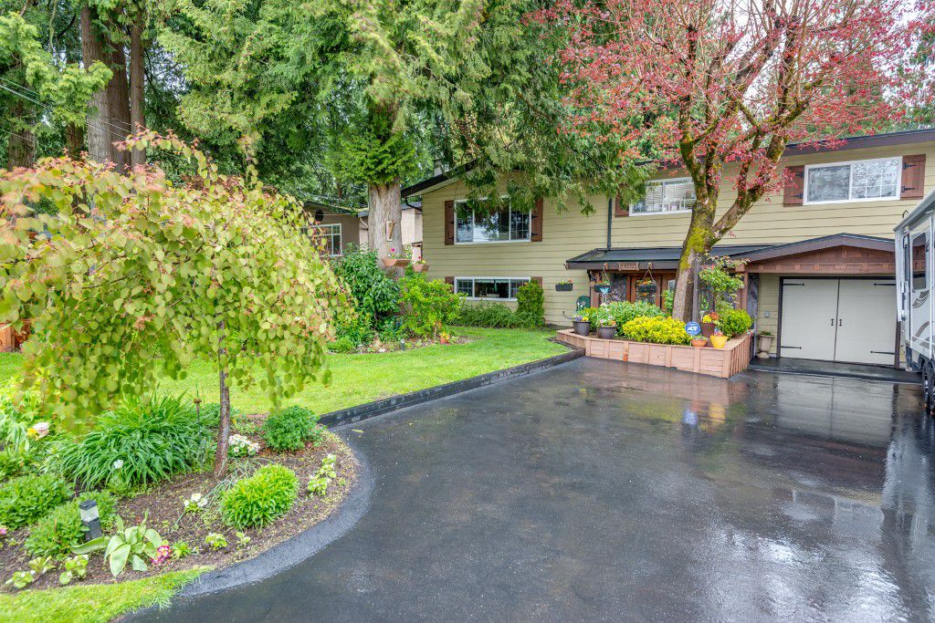 Main Photo: 11650 Bonson Road in Pitt Meadows: South Meadows House for sale : MLS®# R2161771