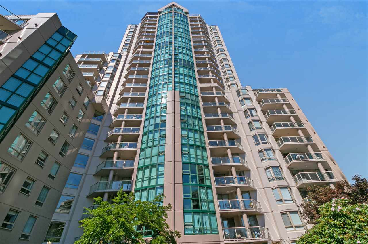 Main Photo: 404 1199 EASTWOOD STREET in Coquitlam: North Coquitlam Condo for sale : MLS®# R2303754