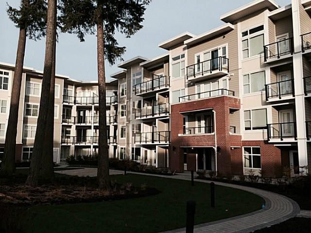 Main Photo: # 406 15956 86A AV in Surrey: Fleetwood Tynehead Condo for sale : MLS®# F1409364