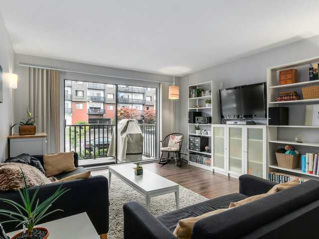 Main Photo: # 201 131 W 4TH ST in North Vancouver: Lower Lonsdale Condo for sale : MLS®# V1090521