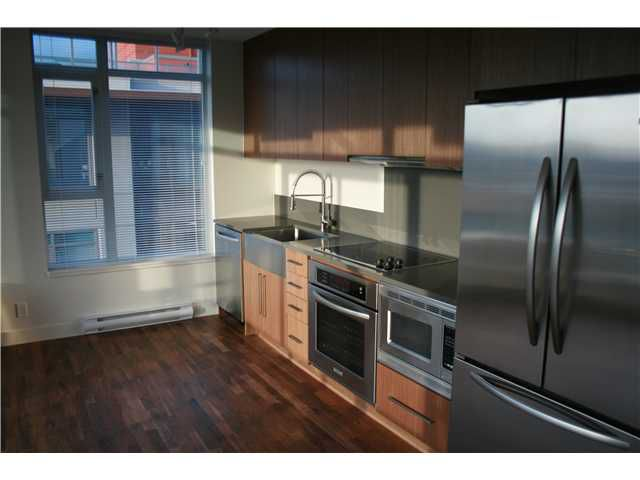 """Main Photo: 910 251 E 7TH Street in Vancouver: Mount Pleasant VE Condo for sale in """"DISTRICT"""" (Vancouver East)  : MLS®# V936641"""