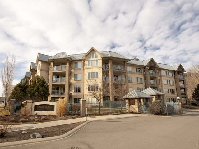 Main Photo: Kamloops condo living with river access