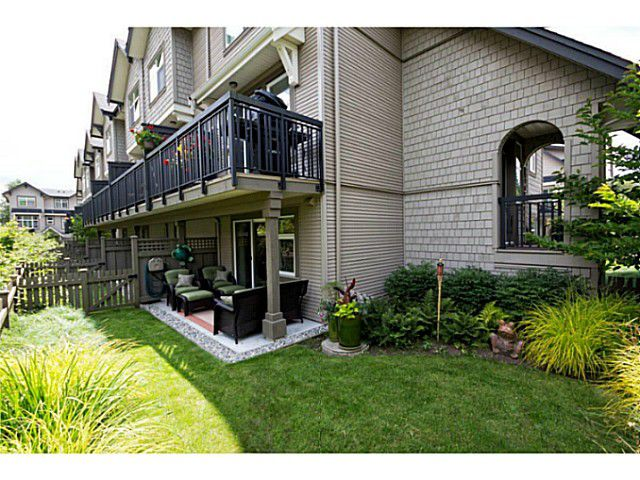 "Main Photo: 752 ORWELL Street in North Vancouver: Lynnmour Townhouse for sale in ""WEDGEWOOD"" : MLS®# V1016804"