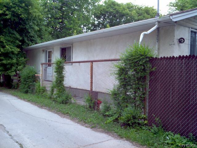 Photo 17: Photos: 214 Bowman Avenue in WINNIPEG: East Kildonan Single Family Detached for sale (North East Winnipeg)  : MLS®# 1319237