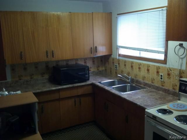 Photo 7: Photos: 214 Bowman Avenue in WINNIPEG: East Kildonan Single Family Detached for sale (North East Winnipeg)  : MLS®# 1319237