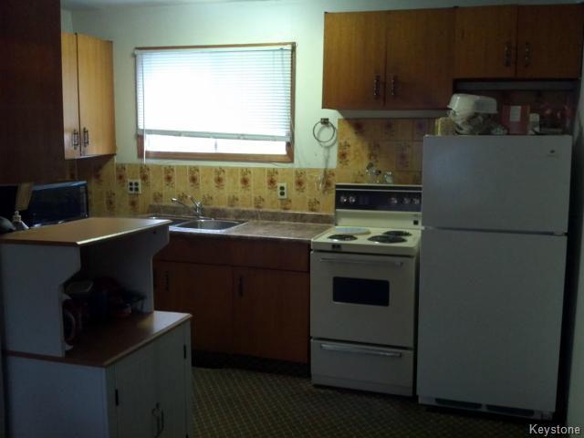Photo 6: Photos: 214 Bowman Avenue in WINNIPEG: East Kildonan Single Family Detached for sale (North East Winnipeg)  : MLS®# 1319237