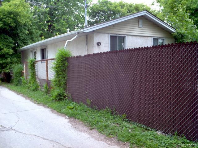 Photo 18: Photos: 214 Bowman Avenue in WINNIPEG: East Kildonan Single Family Detached for sale (North East Winnipeg)  : MLS®# 1319237