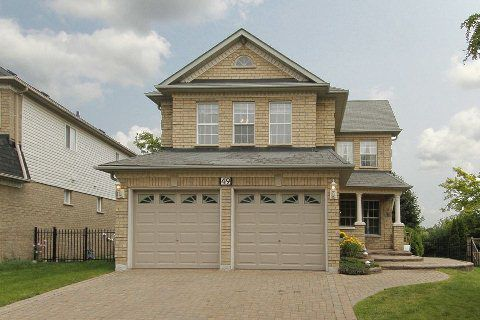 Main Photo: 49 Wetherburn Drive in Whitby: Williamsburg House (2-Storey) for sale : MLS®# E2988507