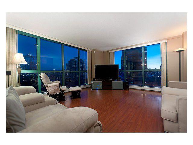 Main Photo: 702 212 DAVIE Street in Vancouver: Yaletown Condo for sale (Vancouver West)  : MLS®# V931640