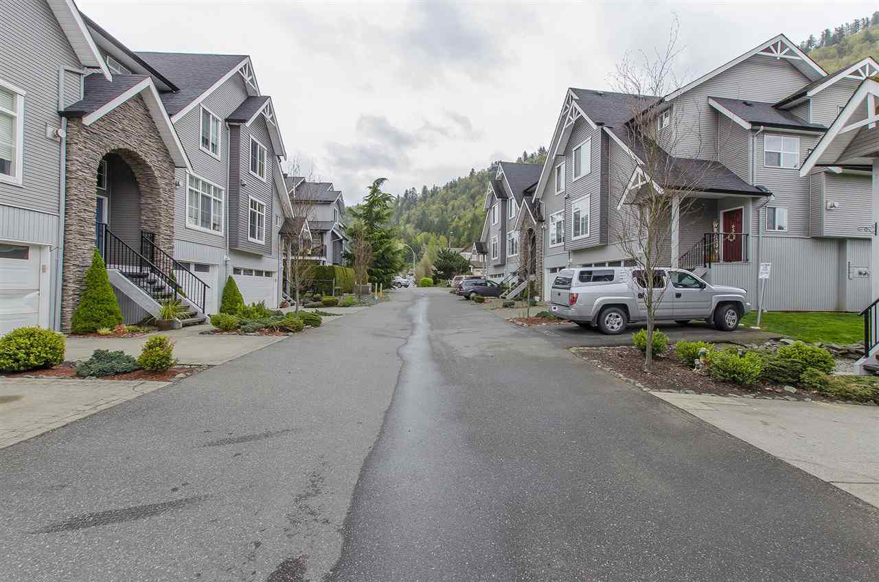 Main Photo: 58 5965 JINKERSON ROAD in Chilliwack: Promontory Townhouse for sale (Sardis)  : MLS®# R2054399