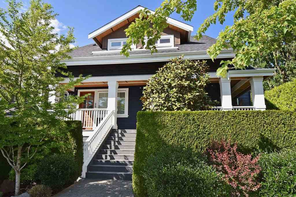 Main Photo: 25 W 15TH AVENUE in Vancouver: Mount Pleasant VW Townhouse for sale (Vancouver West)  : MLS®# R2065809