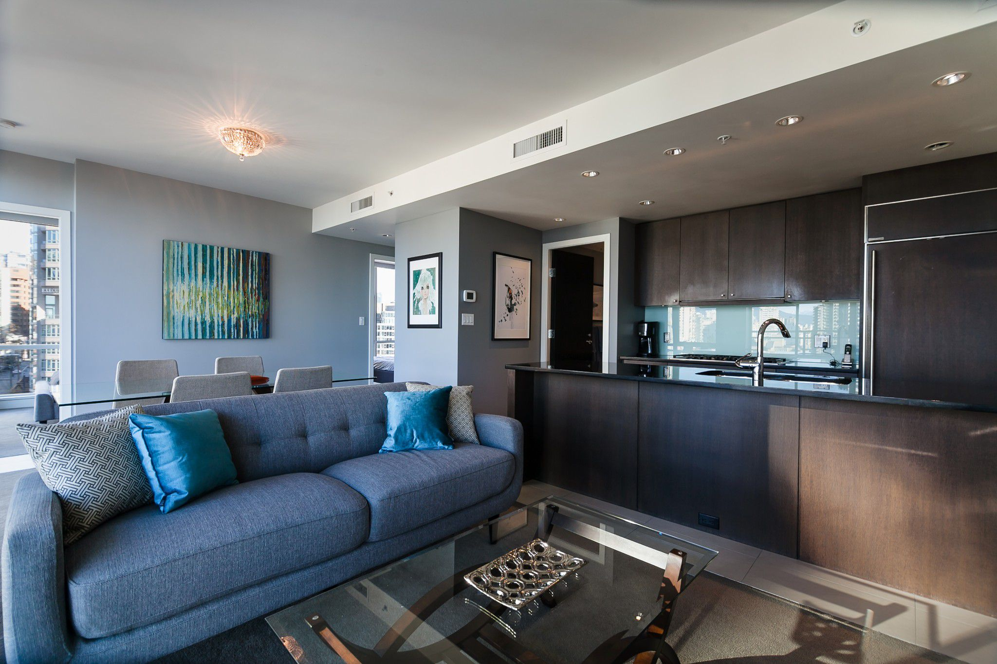 Main Photo: 1455 Howe st in Vancouver: Condo for lease