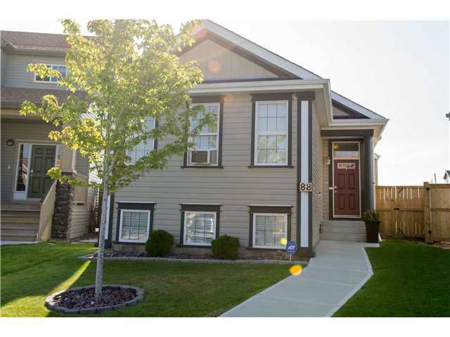 Main Photo: 88 COPPERSTONE Gardens SE in CALGARY: Copperfield Residential Detached Single Family for sale (Calgary)  : MLS®# C3536230