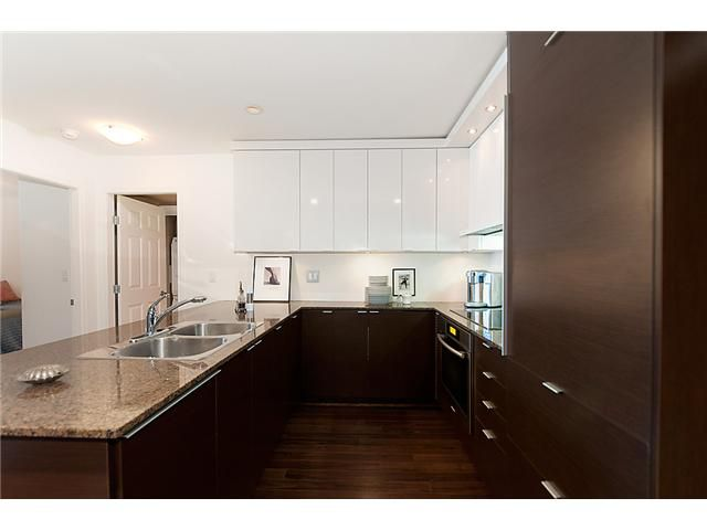 Main Photo: 4008 84 GRANT Street in Port Moody: Port Moody Centre Condo for sale : MLS®# V925241