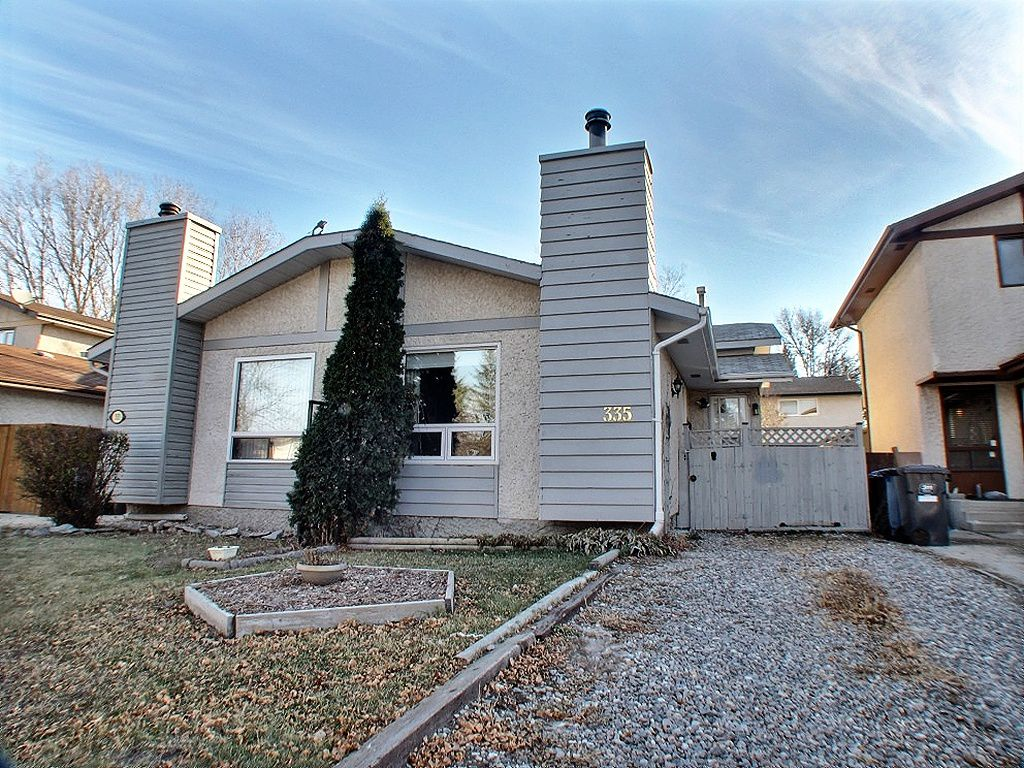Main Photo: 335 Edelweiss Crescent in : North Kildonan Residential for sale (North East Winnipeg)  : MLS®# 1324771