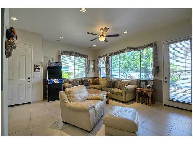 Photo 5: Photos: SCRIPPS RANCH Townhome for sale : 3 bedrooms : 11821 Miro Circle in San Diego