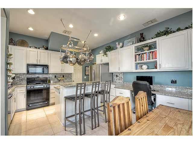 Photo 9: Photos: SCRIPPS RANCH Townhome for sale : 3 bedrooms : 11821 Miro Circle in San Diego