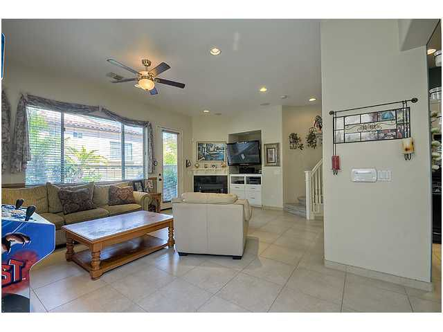 Photo 4: Photos: SCRIPPS RANCH Townhome for sale : 3 bedrooms : 11821 Miro Circle in San Diego