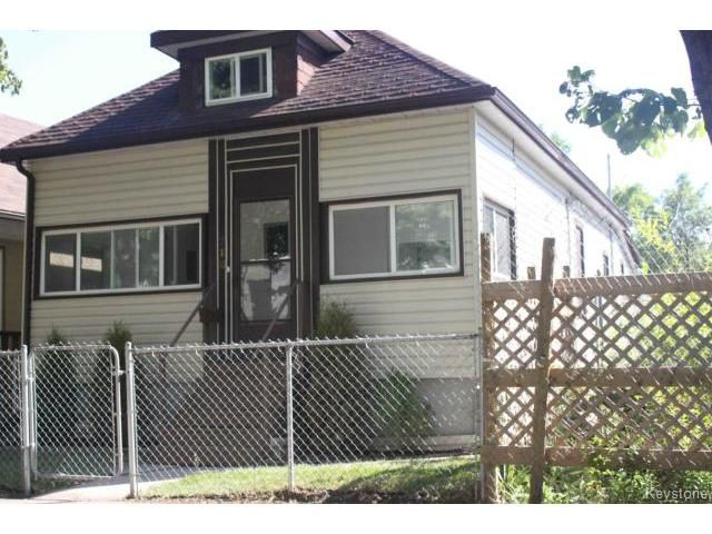 Main Photo: 718 College Avenue in Winnipeg: Residential for sale : MLS®# 1115733