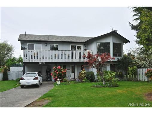 Main Photo: 10353 Arbay Close in SIDNEY: SI Sidney North-East Residential for sale (Sidney)  : MLS®# 336199