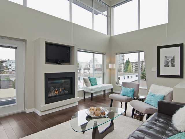 Main Photo: # PH2 1288 CHESTERFIELD AV in North Vancouver: Central Lonsdale Condo for sale : MLS®# V1123799